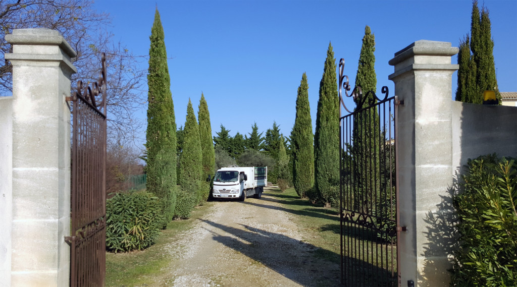 entretien jardins et espaces verts vaucluse 84 orange avignon. Black Bedroom Furniture Sets. Home Design Ideas